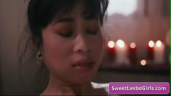 Тетти дью корти участвует в секс групповухе со сладостной парочкой и балдеет от секса