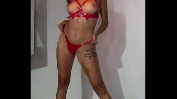 Сексуальная sybil a показала красивенькое тело и поигралась пиздой с членозаменителем