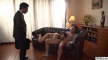 Перед сном юноша устраивает девчушке обольстительный секс и кончает в рот
