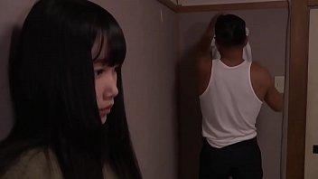 Молодая телка снимает на камеру личный секс с милым мускулистым парнем
