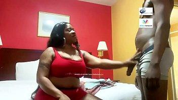 Спортивная чертовка обожает вагинальные потрахушки вскоре после имели в киску