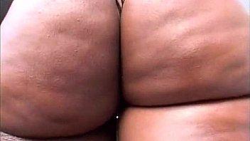 Девушка поднялась в позе раком голенькая для секса